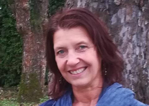 Portrait of Manuela Aures